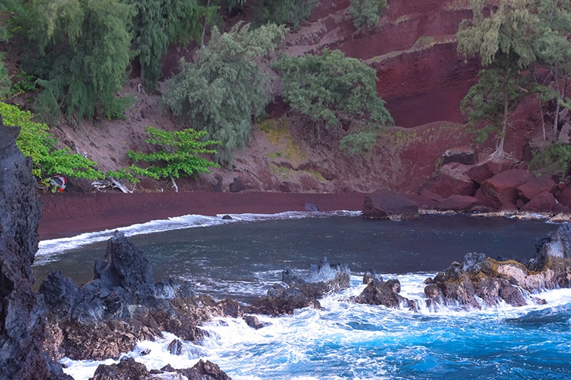 Kaihalulu Red Sand Beach